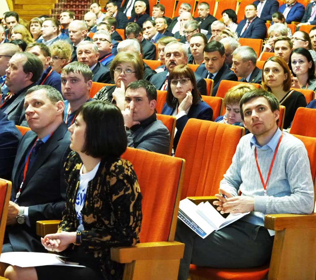 Глава администрации Козельского района и исполняющая обязанности главы администрации Сосенского посетили семинар