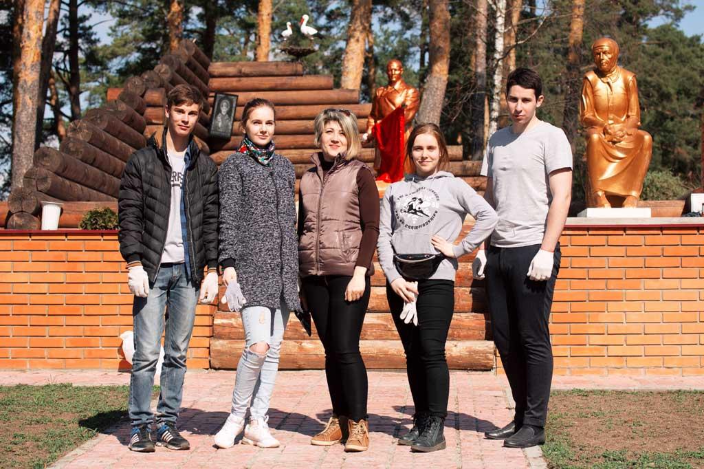 Молодёжный парламент Калужской области на субботнике в Козельском районе