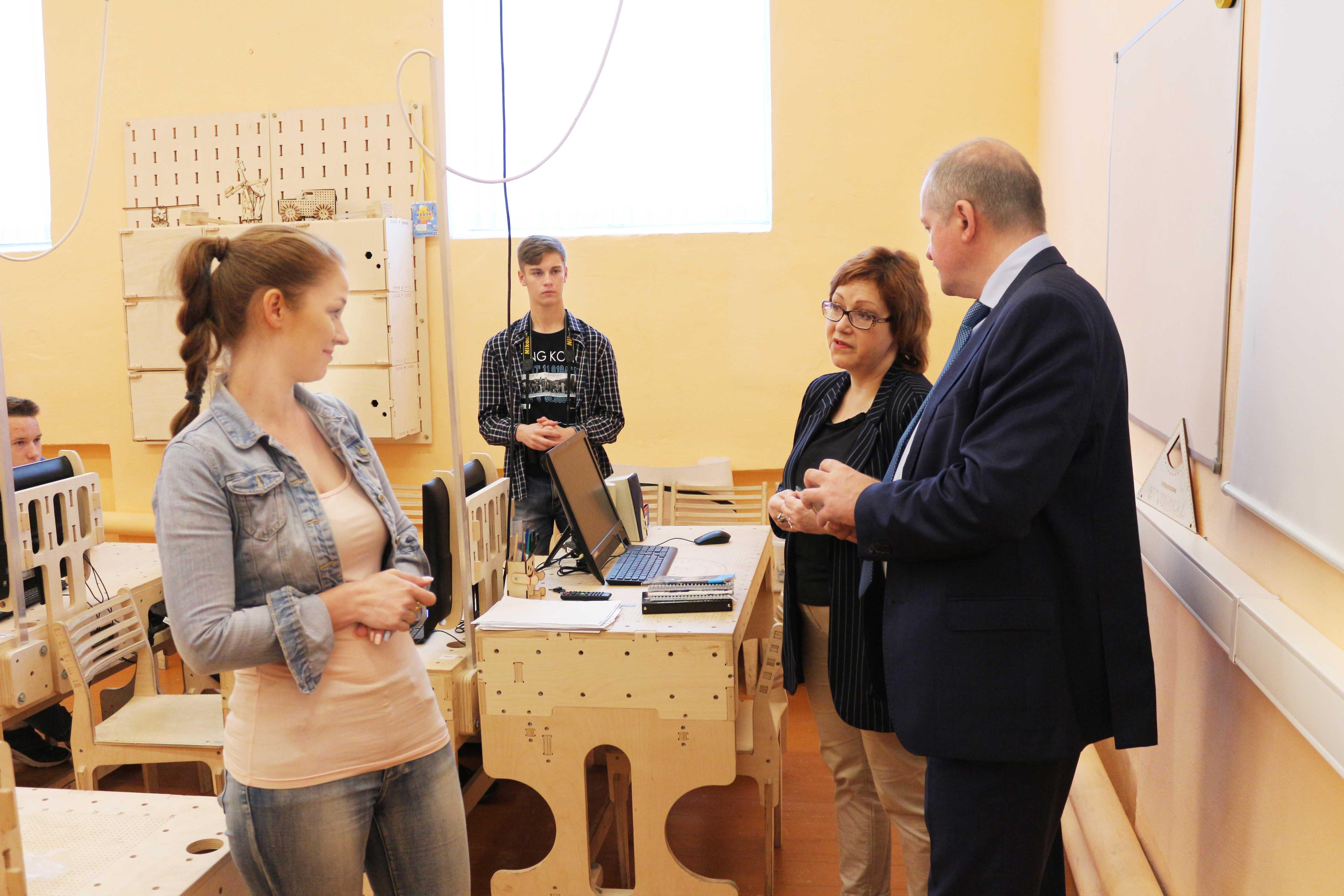 Министр образования посетил Технолаб