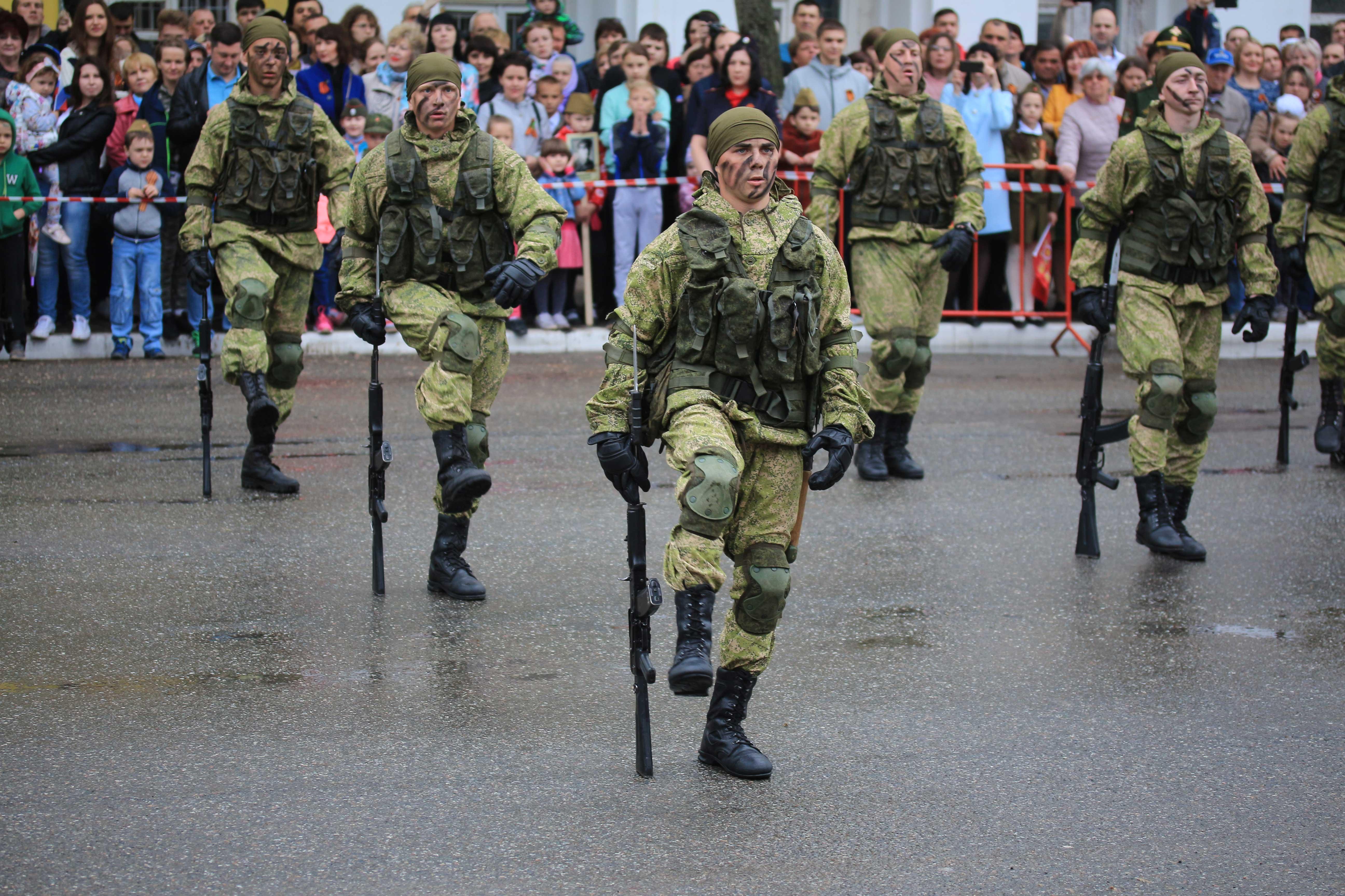 военные выступления
